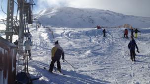 Skiers on Glencoe