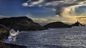 The view of Mumbles lighthouse in Swansea was captured by Praveen Kutty from Llanelli.