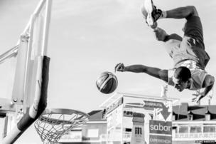 A basketball player - Split Second winner - Jaime Massieu, Spain