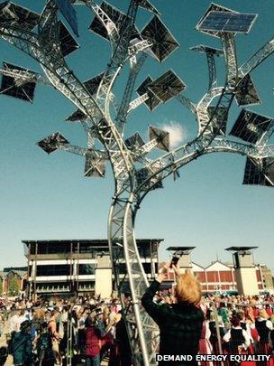 Solar tree planned in Millennium Square, Bristol