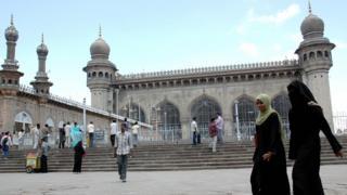 2007లో పేలుడు జరిగిన హైదరాబాద్ మక్కా మసీదు