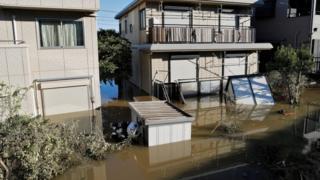 浸水した川崎市の住宅地