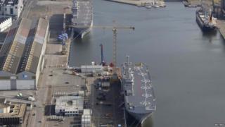 Sevastopol (bottom) and Vladivostok under construction in Saint-Nazaire (25/05/2015)