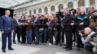 Телемост Владимира Путина 25 апреля 2013 года в москоском Гостином дворе