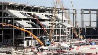 قطر تنفق 200 مليار دولار على مشروعات البنية التحتية لكأس العالم
