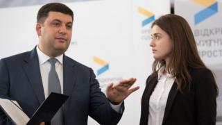 Премьер-министр Владимир Гройсман и бывшая глава Одесской таможни Юлия Марушевская