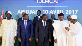 L'Uemoa est composé du Bénin, du Burkina Faso, de la Côte d'Ivoire, de la Guinée Bissau, du Mali, du Niger, du Sénégal et du Togo qui ont le franc CFA comme monnaie.