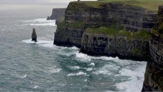 Falésias na Irlanda