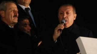 Dönemin Ekonomi Bakanı Zafer Çağlayan ve dönemin Başbakanı Recep Tayyip Erdoğan, 24 Aralık 2013.