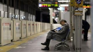 ژاپن از جمله کشورهایی است که طولانی ترین ساعات کاری را دارد