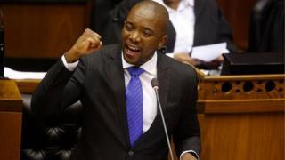 Cet appel survient après l'échec de la motion de défiance contre le président Zuma, rejetée mardi par le parlement.