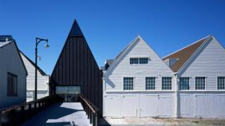 Centro para visitantes en el histórico astillero de Chatham