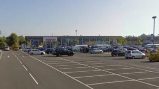 Tesco in Bonnyrigg Road