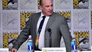 """David Saltzberg participó en unos de los paneles de la convención de cómics Comic-Con para hablar de """"The Big Bang Theory"""" en 2016."""