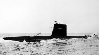 Підводний човен у морі