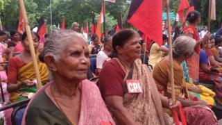 திமுக எம்.பிக்கள் ஆர்ப்பாட்டத்தில் கார்த்தி சிதம்பரம்