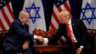 د امریکا ولسمشر ډونلډ ټرمپ تېره میاشت نیویارک کې له اسرائیلي لومړي وزیر بنیامین نتنیاهو سره وکتل