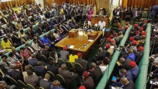 La proposition doit être approuvée par le chef de l'Etat ougandais