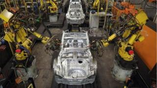 Ngày càng có nhiều robot thay thế con người làm việc