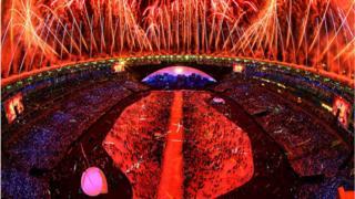 Церемония открытия Олимпийских игр на стадионе Маракана в Рио-де-Жанейро