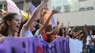 Protesto em SP em 2016 pedindo combate à violência contra a mulher