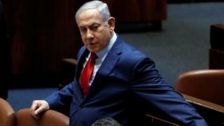 بنیامین نتانیاهو در هنگام رایگیری در کنست