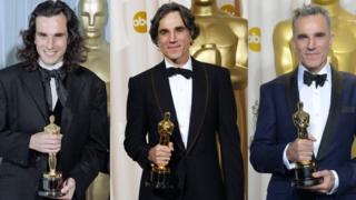 در کارنامه سینمایی دانیل دیلوئیس ۳ جایزه اسکار به چشم میخورد
