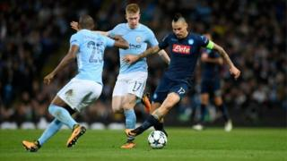 Manchester city beats Napoli 2-1