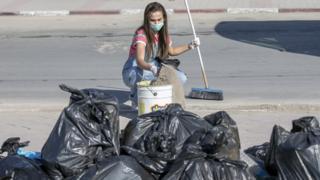 حملات نظافة تجتاح تونس
