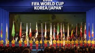 برای نخستین بار دو کشور همزمان میزبان مسابقات بودند
