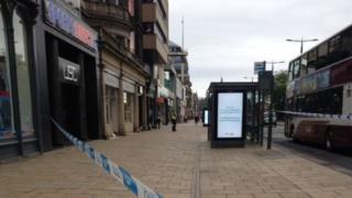 Street cordon at Sports Direct