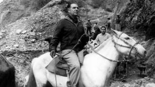 Fernando Belaúnde montado em cavalo