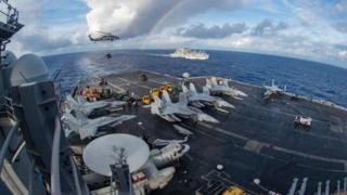 """美國""""卡爾·文森""""號航母戰鬥群。"""