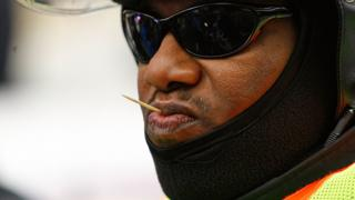 Man get toothpick for mouth