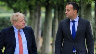 Boris Johnson (l) and Leo Varadkar (r)