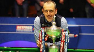 Mark Williams with the World Snooker Championship in 2018