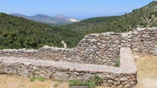去年10月,希腊伯罗奔尼撒半岛发现了传说中的泰涅亚城遗址