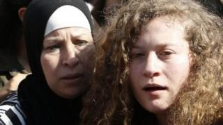 અહદ તમીમી અને તેમનાં માતા
