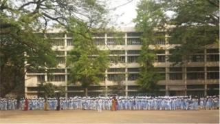 ঢাকার পুরোনো নামী স্কুলগুলোর একটি ভিকারুন্নিসা স্কুল