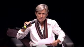 Judith Butler em palestra no Sesc em 2015