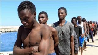 En Libye, plus de 20.000 réfugiés et migrants retenus dans des centres de détention ou prisonniers de trafiquants à Sabratha