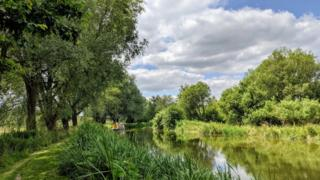 The Kennet and Avon Canal between Hungerford and Marlborough