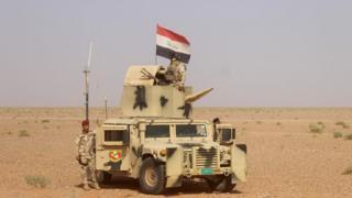 Rawa'da Irak ordusu tankı