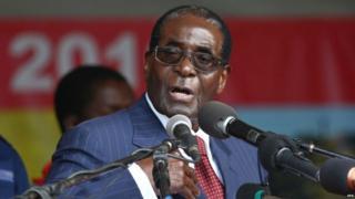 Robert Mugabe speaks at his 92nd birthday party held in Masvingo, Zimbabwe, 27 February 2016.