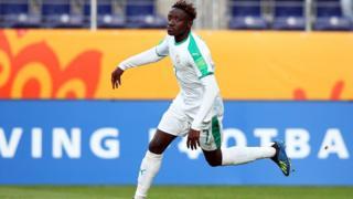 Amadou Sagna a battu le record établi il y a 34 ans par le Nigérian Monday Odiaka, en même temps qu'il signe un triplé.