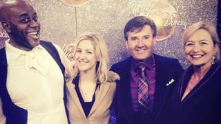Leah gyda rhai o'i hoff sêr o Strictly 2015, Ainsley Harriott, Daniel O'Donnell a Carol Kirkwood