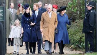 La reine Elizabeth n'a pas assisté dimanche à la traditionnelle messe de Noël, a annoncé le palais de Buckingham.