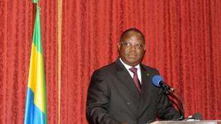 Umushikiranganji wa mbere wa Gabon, Emmanuel Issoze Ngondet