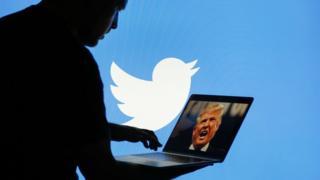 트럼프 대통령의 트위터 소통은 유명하다