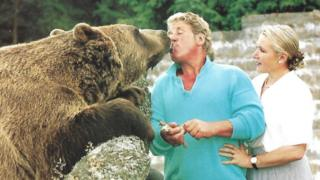 Tribute after Hercules the bear's owner Andy Robin dies